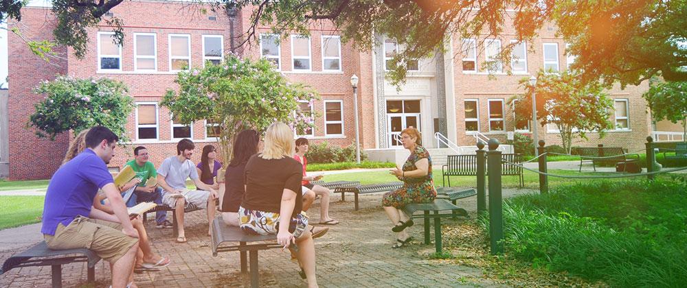 scholars-outdoors-class